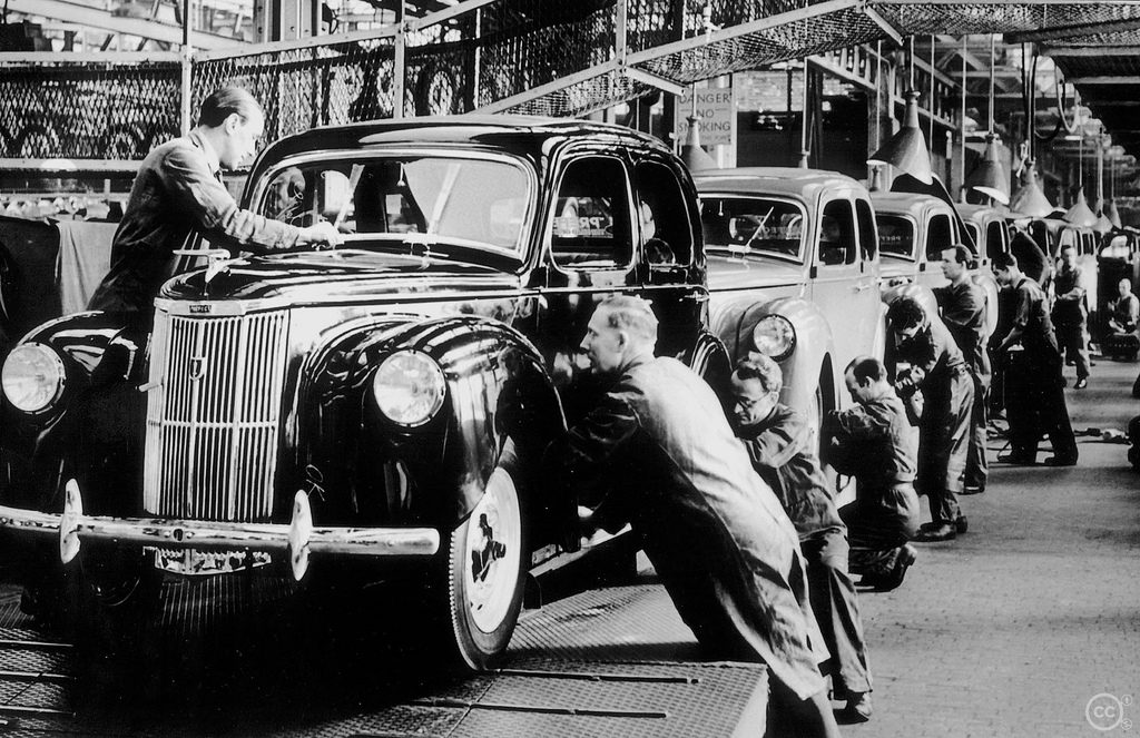 Prefect Assembly Line 1950's, Dagenham.